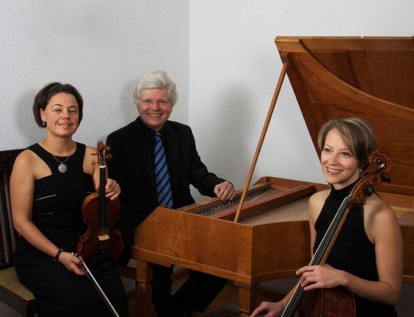 2014 Foto Trio 1790