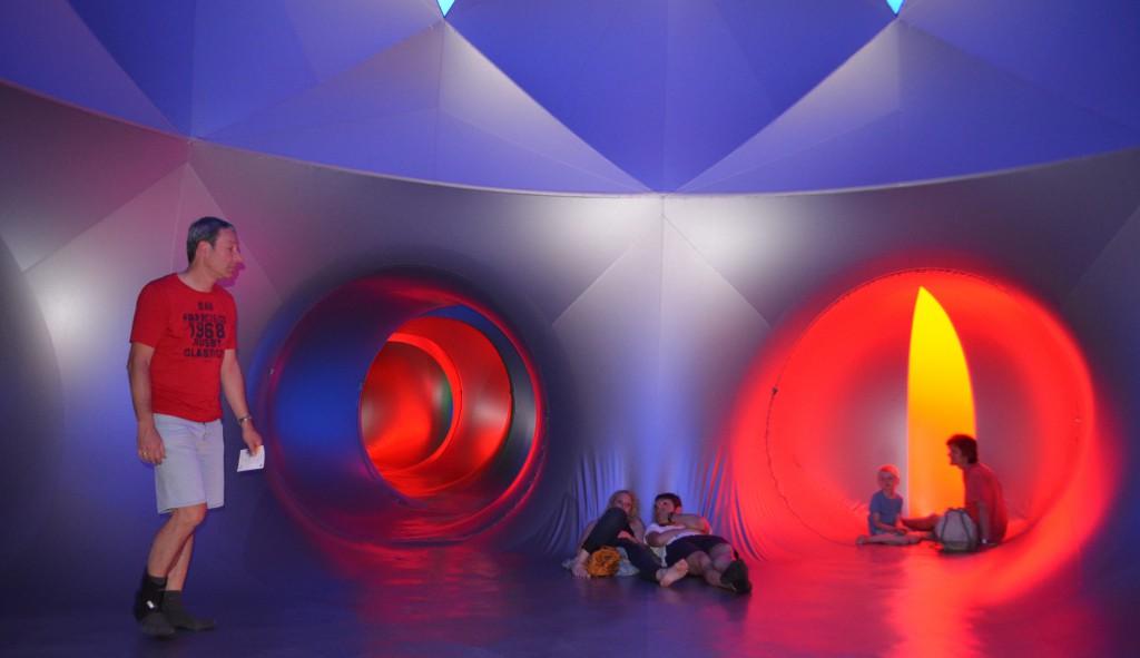 Das Pentalum-Luminarium ist ein Erlebnis für alle Sinne. Foto: Wolfgang Teipel