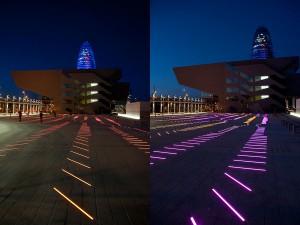 Die Installation verbindet Farbe und Klang durch 550 lineare Boden-Einbauleuchten.