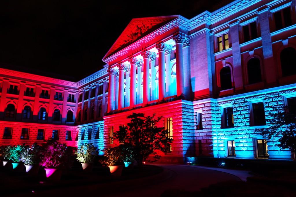 Auch das Gebäude des Bundesrates in in Farben getaucht. Foto: Agentur Baganz/Berlin leuchtet e.V.