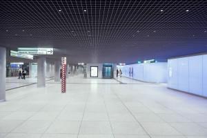 5000 in eine Rasterdecke eingelassene LEDs erzeugen blendfreies Licht.. Foto: vogtpartner/Felix Meyer
