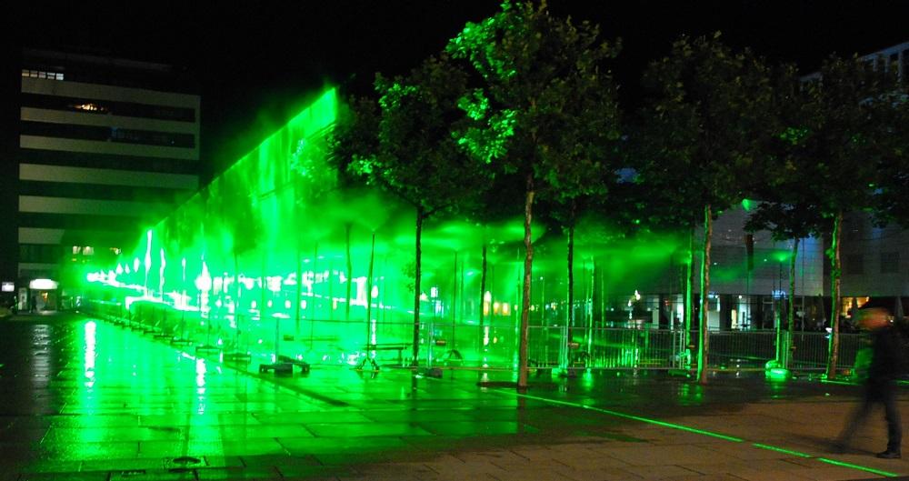 """""""Licht und Gesellschaft: Zwischen Anforderungen und Konflikten in der leuchtenden Stadt"""" ist das Thema einer Veranstaltung des Lichtforums NRW (hier eine Installation von Rainer Plum bei den Lichtrouten 2013 in Lüdenscheid)."""